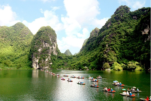 The most attractive destinations in Ninh Binh during the Lunar New Year, Mau Tuat 2018