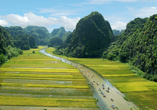 "Ninh Binh Tourism Week 2019 with the topic of ""The Golden Tam Coc – Trang An"""