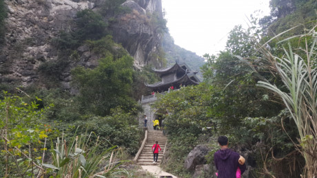 Mysterious beauty of Am Tien pagoda and Cave