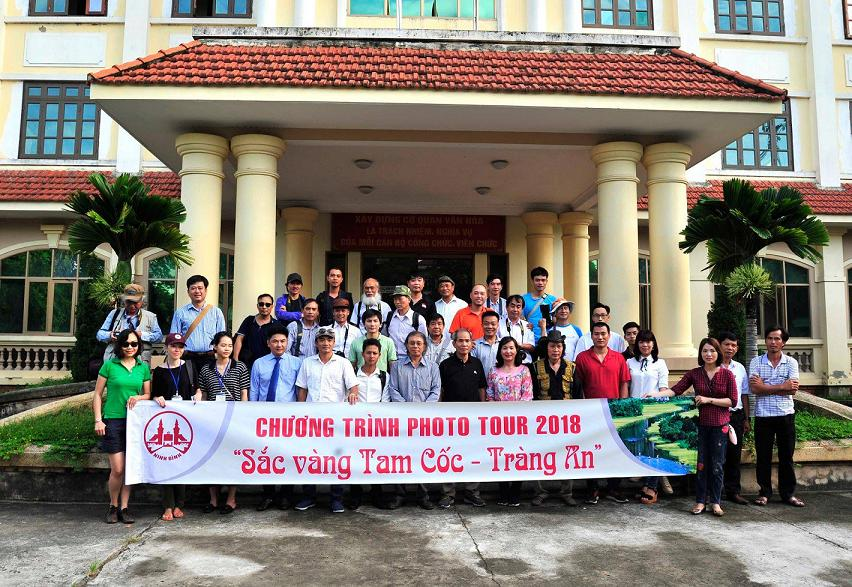 "NINH BINH HELD THE PHOTO TOUR PROGRAM ""GOLDEN TAM COC – TRANG AN -"""